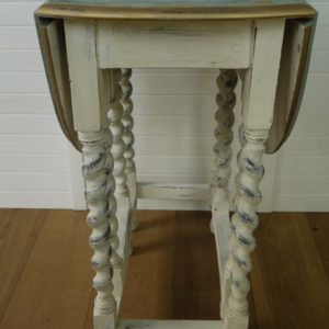 Ovaler Gateleg table