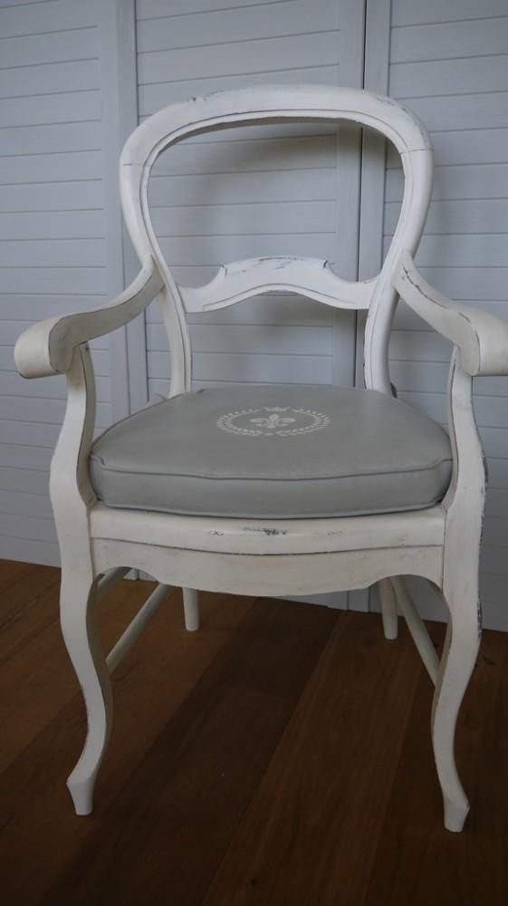 antiker sessel mit polster im vintage online shop kaufen. Black Bedroom Furniture Sets. Home Design Ideas